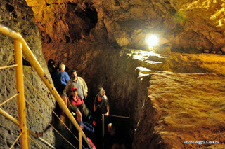 Древний туннель. Экскурсия Иерусалим для протестантов. Гид в Израиле Светлана Фиалкова.