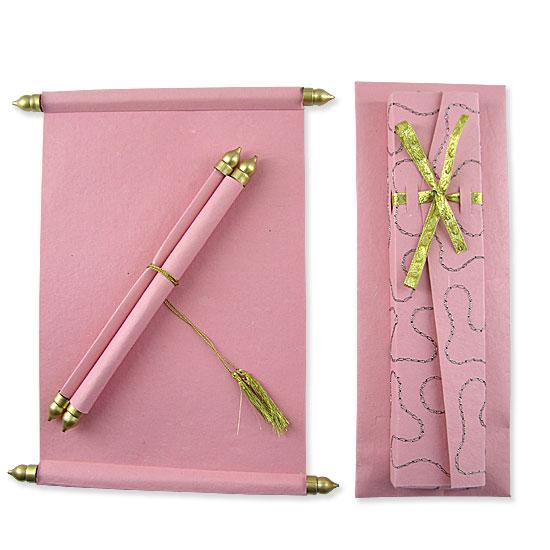 Invitación pergamino rosa para quinceañera