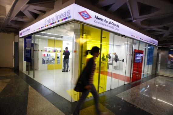 Más librerías, tiendas de ropa o alimentación en el Metro
