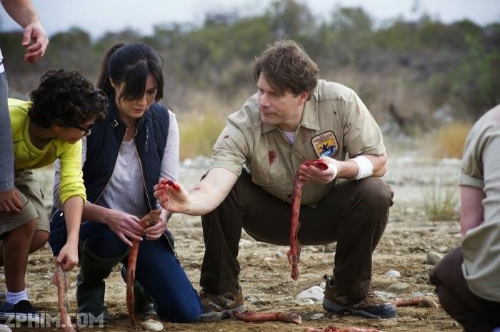 Ảnh trong phim Hồ Máu: Cuộc Tấn Công Của Cá Mút Đá - Blood Lake: Attack of the Killer Lampreys 2