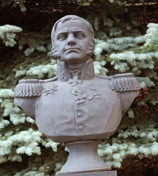 Памятник Неверовскому