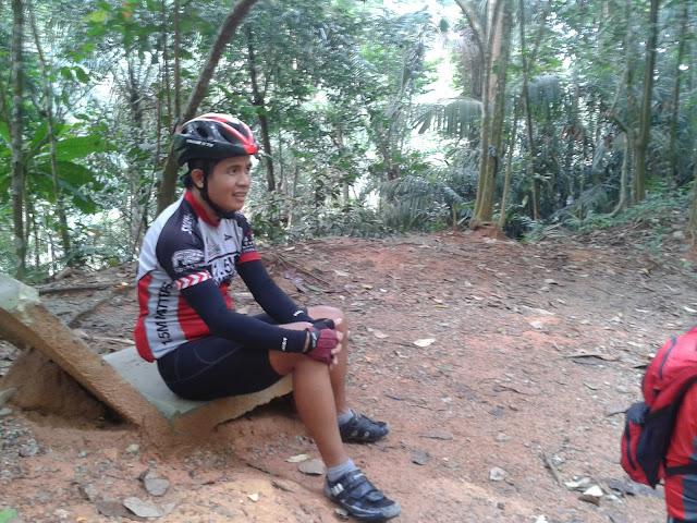 Ride to Gunung Pulai 2011-10-08%25252009.57.00