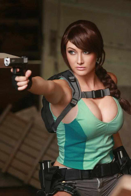 Lara Croft Hot Cosplay