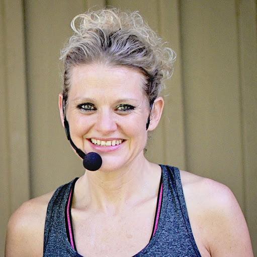 Amy Baker Photo 34