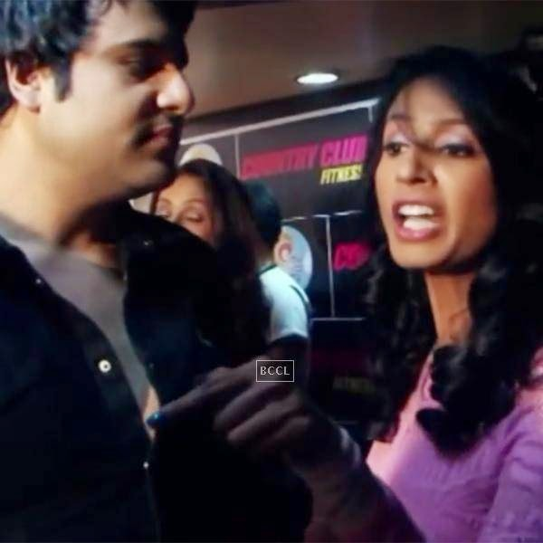 Kashmira Shah got into a fight with a journalist when he asked Krishna to name another woman he likes.
