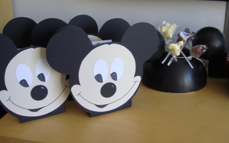 bastelblog von anja katy mickey mouse party. Black Bedroom Furniture Sets. Home Design Ideas