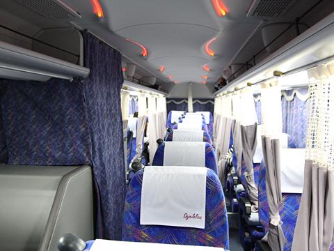 伊予鉄南予バス「道後エクスプレスふくおか号」 5388 車内