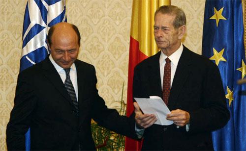 Presa italiană - omagii pentru Regele Mihai, palme pentru Băsescu