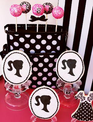 https://lh5.googleusercontent.com/-AYw0Yix43rM/TYt3r_d2D1I/AAAAAAAAAt4/BtgggD5A9hs/s400/4+GWD+Sweet+Sophia+Cakepops.jpg