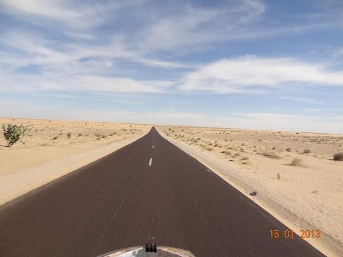 Marrocos e Mauritãnia a Queimar Pneu e Gasolina - Página 7 DSC06055