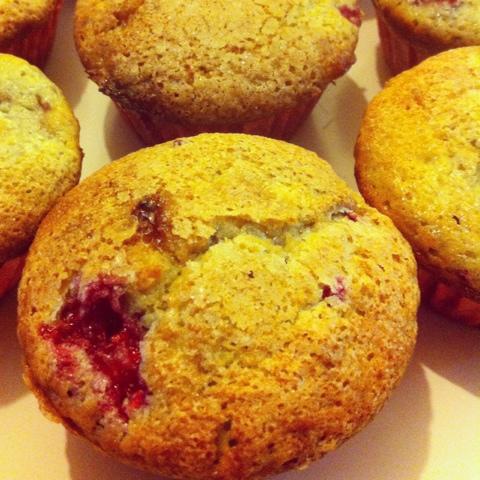 Be Kitchen Happy: White Chocolate and Raspberry Muffins