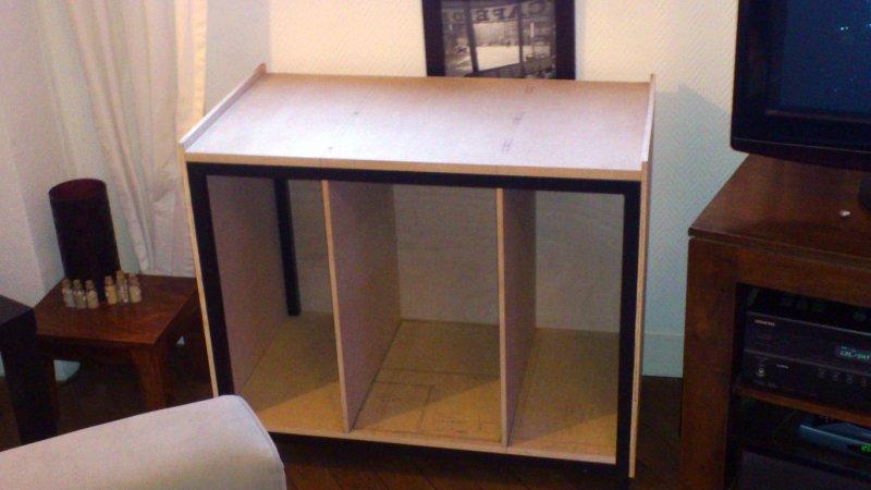 meuble aquarium design. Black Bedroom Furniture Sets. Home Design Ideas