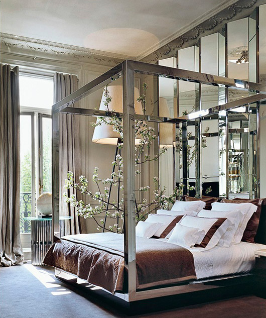 Contemporary Poster Bed mix and chic: contemporary and gorgeous four poster bed inspirations.
