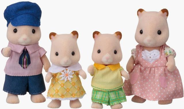 Gia đình chuột Hamster 4 người Sylvanian Families 3584 với những bộ trang phục gọn gàng