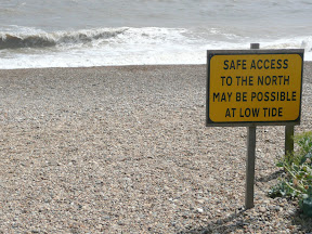 Warning sign at Thorpeness