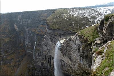 Salto del río Nervión desde el Mirador