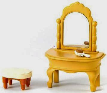 Bàn ghế trang điểm Dressing Table xinh xắn để trang bị cho những ngôi nhà Sylvanian
