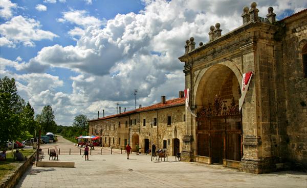 Albergue de peregrinos del monasterio de San Juan de Ortega, Burgos, Camino de Santiago