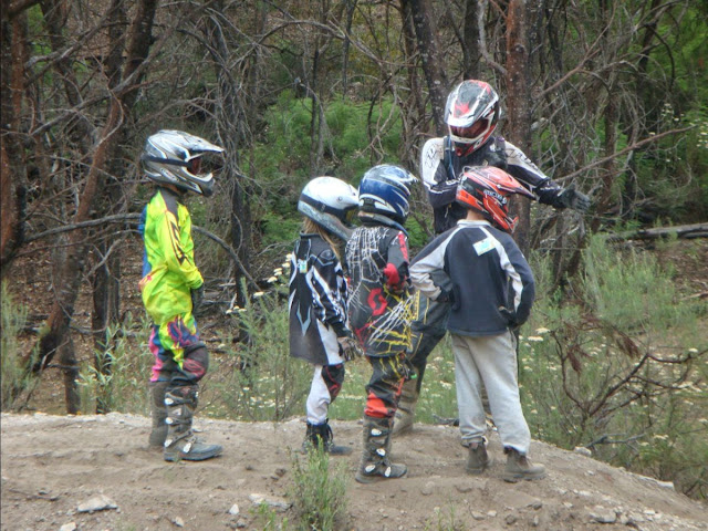 Dirt Bike Camps - Teach your kids to ride - Training / Learn to ride a offroad motorbike on cru camps