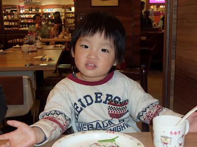 和乾兒子在鼎泰豐吃午餐