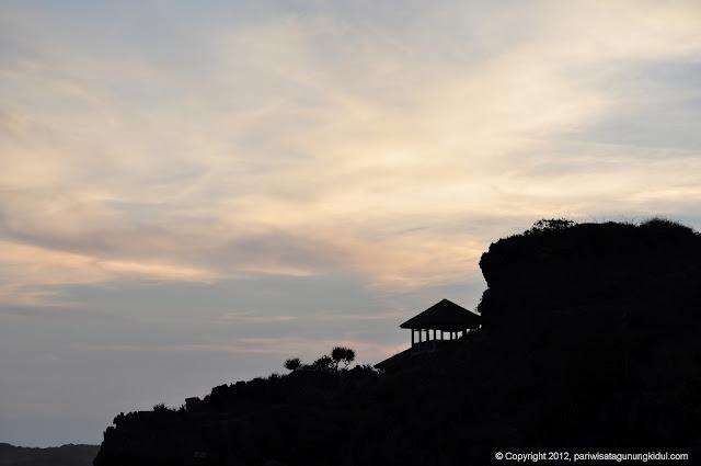 Foto-foto Pantai Wediombo, Girisubo, Gunungkidul Image00225