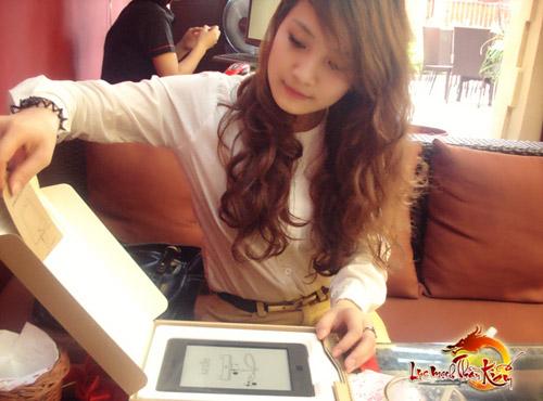 Sunsoft trao giải cho Miss Lục Mạch Thần Kiếm 2012 4