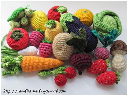 В'язані фрукти-овочі-їжа