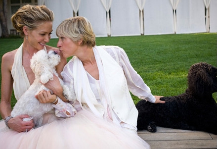 Portia de Rossi, Ellen Degeneres, and two of their dogs