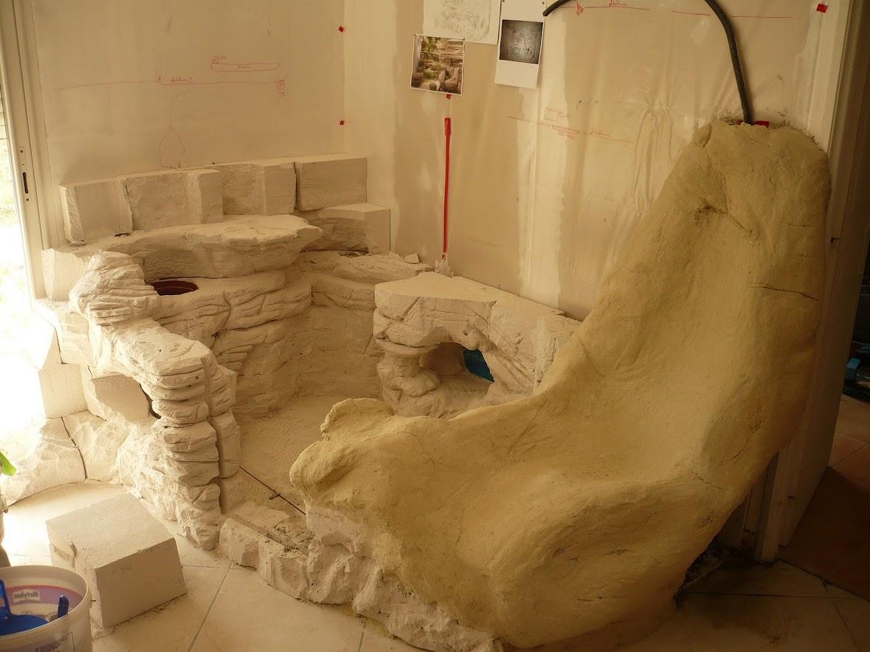 finition rocher et coloration du bassin mur rocheux et bassin malawi de 700l. Black Bedroom Furniture Sets. Home Design Ideas