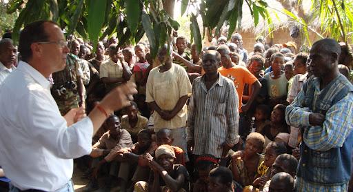 Katanga: M.Kobler invite les Pygmées et Bantous à s'entendre