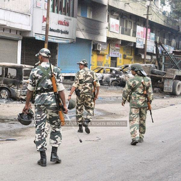 More than 3,000 armed men, including two ITBP companies, four companies of CRPF, three companies of RAF, three SSB companies and 10 PAC companies, stood guard to enforce the clampdown.