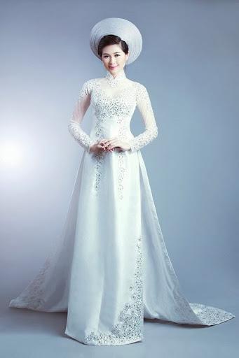 Trends of Ao Dai (Vietnamese Long Dress) for Brides
