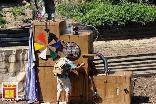 Sjluuk & Co en de geheime speelgoedmachine Openluchttheater Overloon 25-07-2012 (33).JPG