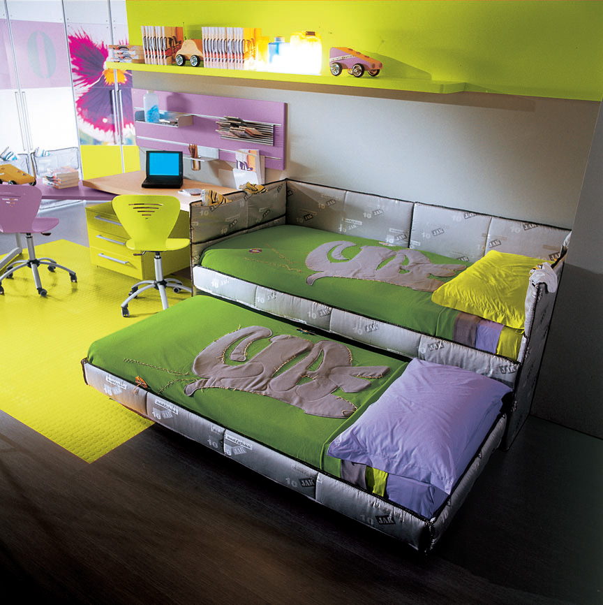 Maku double bed, Image