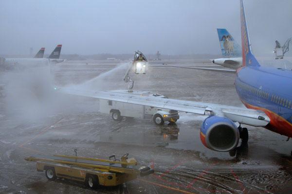 De-icing at Bradley airport