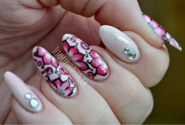 Freehand, Nail art, Flowers, one stroke flowers, models own, coconut cream, rhinestones, sinful colours, glass slippers,