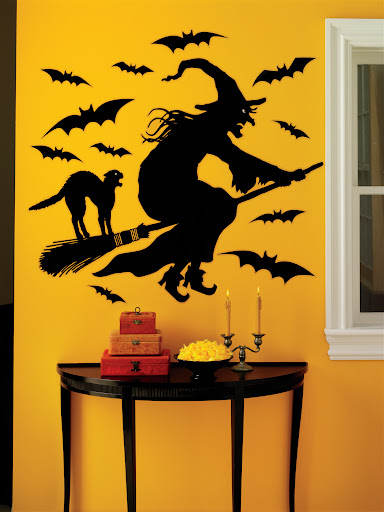 Witch wall cling