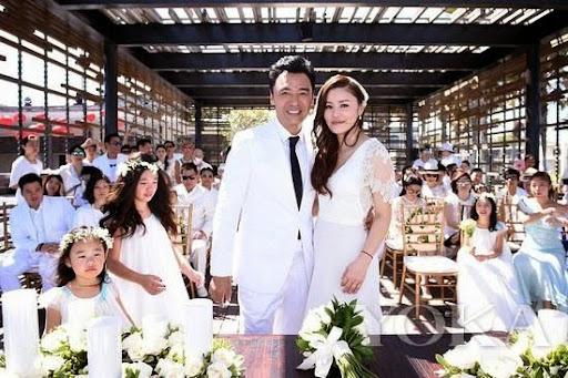61歲鐘鎮濤大婚,迎娶妻子范姜素貞