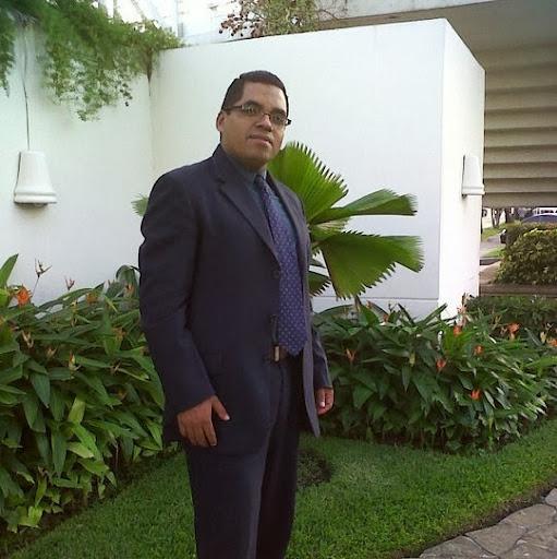 Roberto Menendez Photo 13