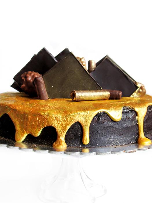 The ultimate chocolate fudge cake recipe tinascookings.blogspot.com