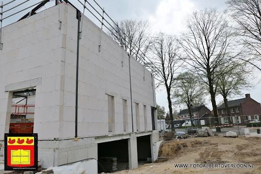 gemeenschapshuis  heeft zijn hoogste punt bereikt overloon 03-05-2013 (5).JPG