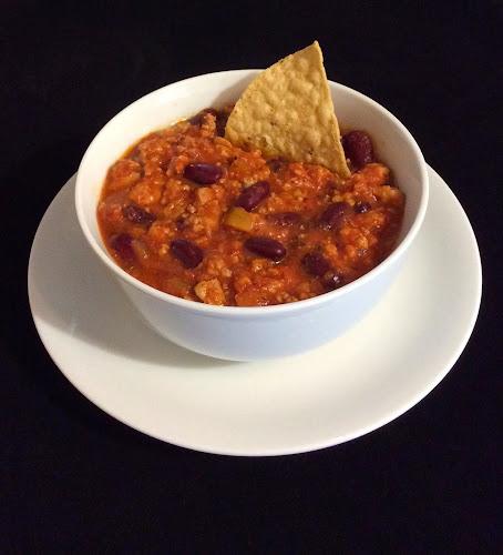 Zupa chili, ostra zupa, fasolka czerwona, mięso mielone z indyka, papryka, sos tabasco