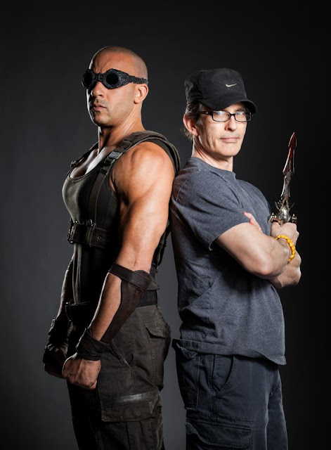 Riddick Vin Diesel david twohy pose with knife