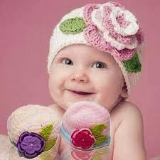các kiểu mũ len cho bé gái