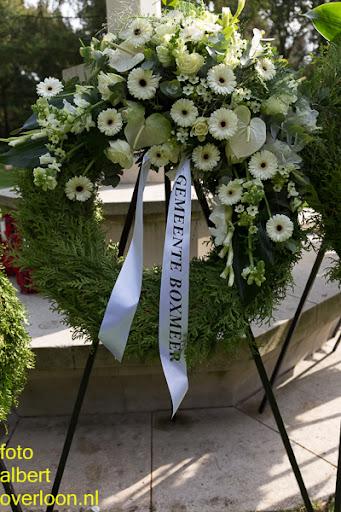 herdenkingsdienst  en een stille tocht naar het Engelse kerkhof 12-10-2014 (98).jpg