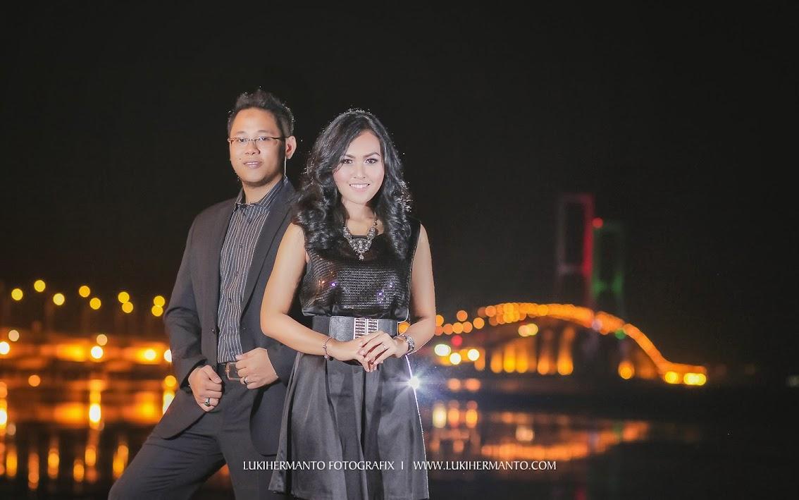 Foto prewedding 2014 malam hari
