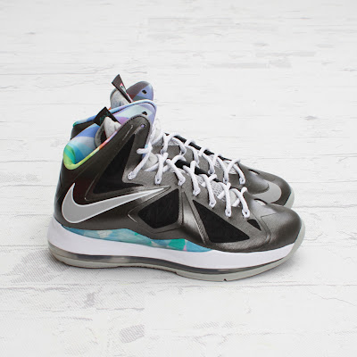nike lebron 10 gr prism 4 05 On to the next one... Nike LeBron X Prism   New Photos
