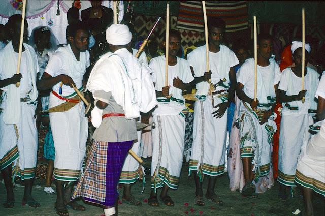 الزواج والافراح فى جيبوتى تتناغم العادات العربية والافريقية (( صور ))Djibouti  022%252520Mariage%252520afars%252520decembre%2525201990