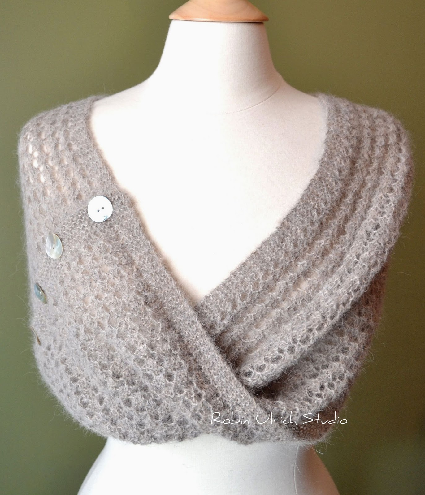 Robin Ulrich Studio: New Knitting Pattern - Lesia Loop