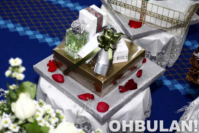 gubahan hantaran wangian minyak wangi azza elite kahwin